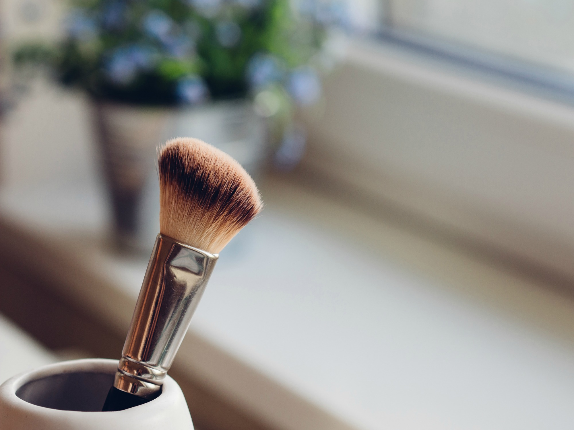 Blush brush in jar