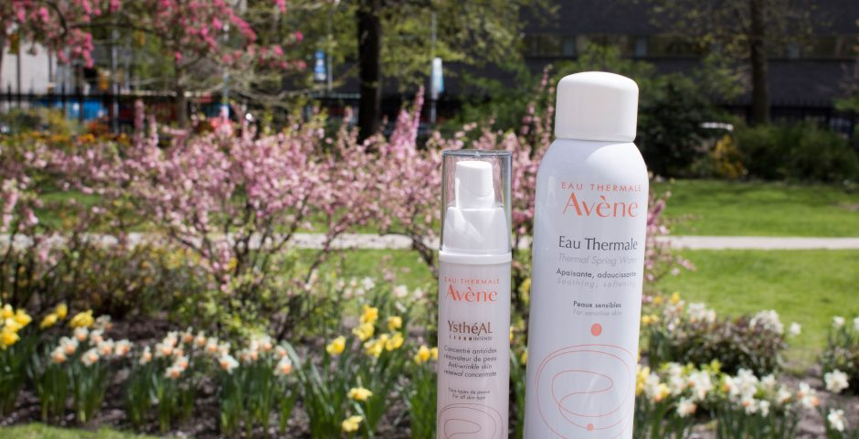Avene YstheAL Intense and Avene Eau Thermale products in sunny garden